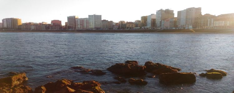 Sunset en la playa San Lorenzo -Gijón.